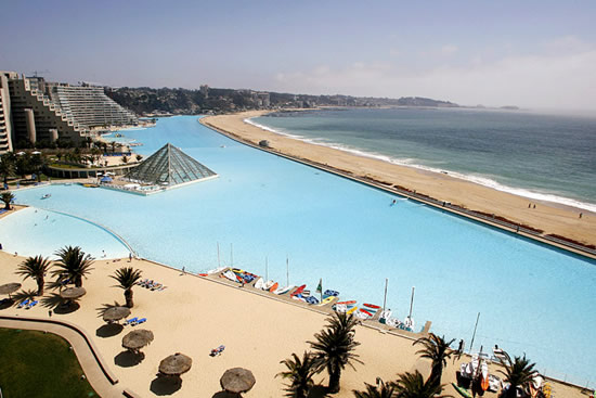 The biggest swimming pool in the world (1)