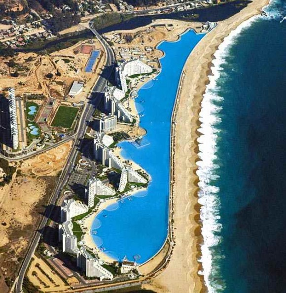 The biggest swimming pool in the world (10)