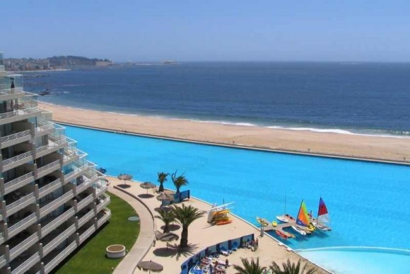 The biggest swimming pool in the world (2)