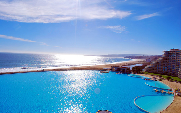 The biggest swimming pool in the world (3)
