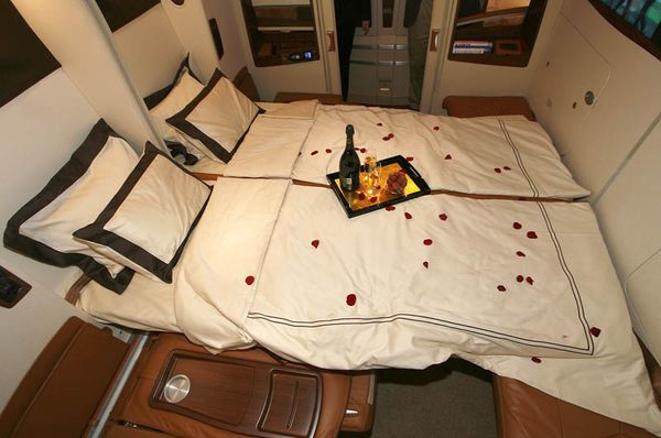 first-class-suites-singapore-airlines-a380-4