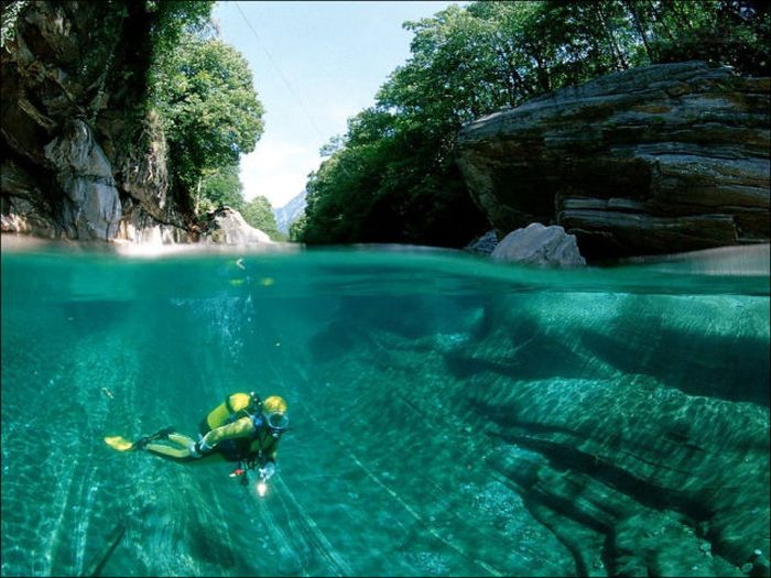 incredibly-clear-waters-of-verzasca-river-4