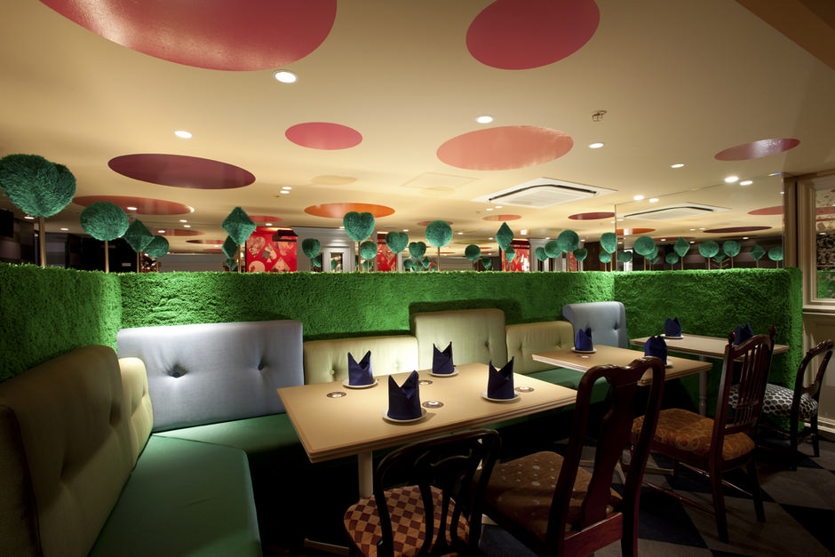 Alice-in-Wonderland-Restaurant (3)