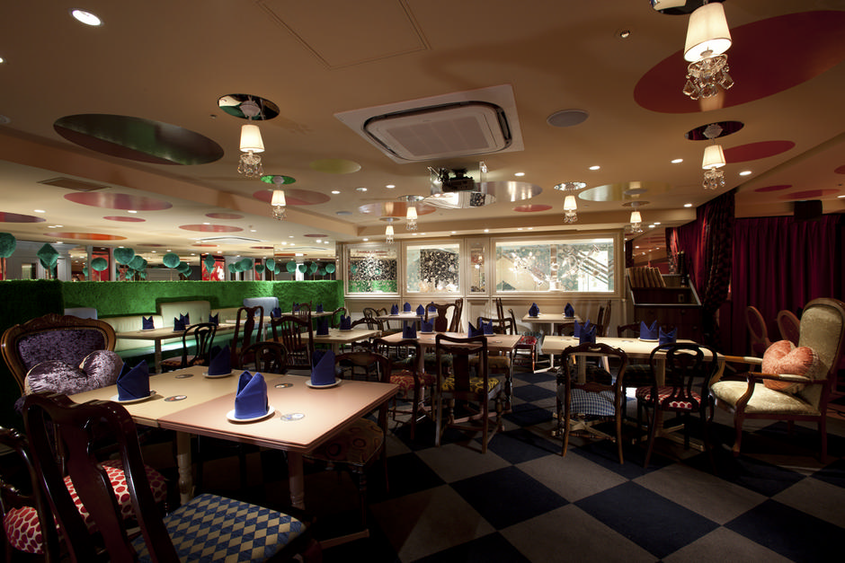 Alice-in-Wonderland-Restaurant (4)
