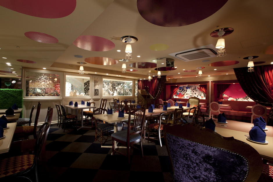 Alice-in-Wonderland-Restaurant (5)