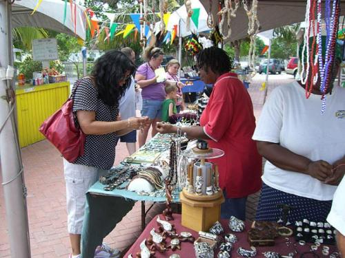 Grand-Cayman-Souvenir-Shopping