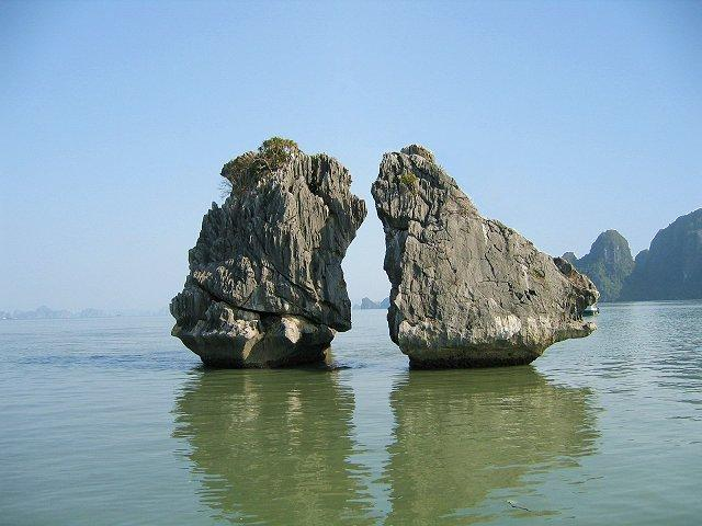 Ha Long Bay (2)