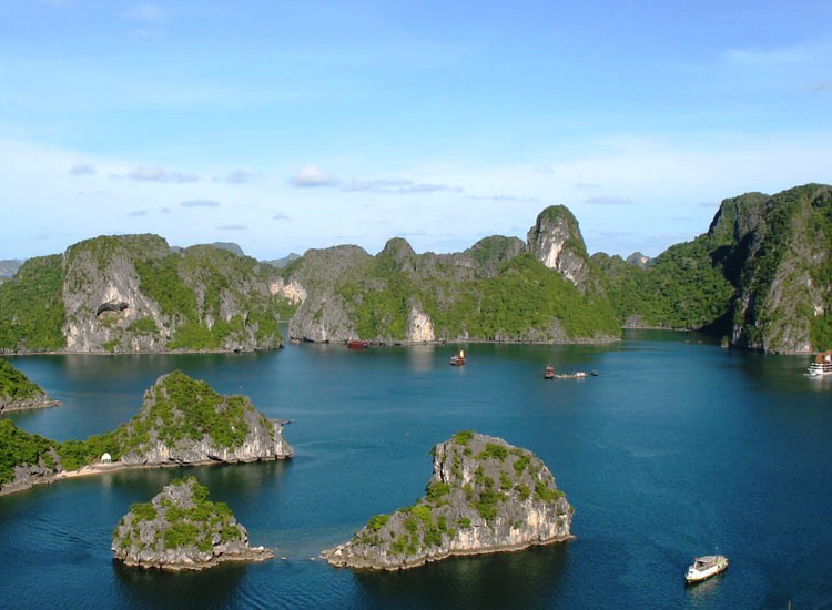 Ha Long Bay (6)