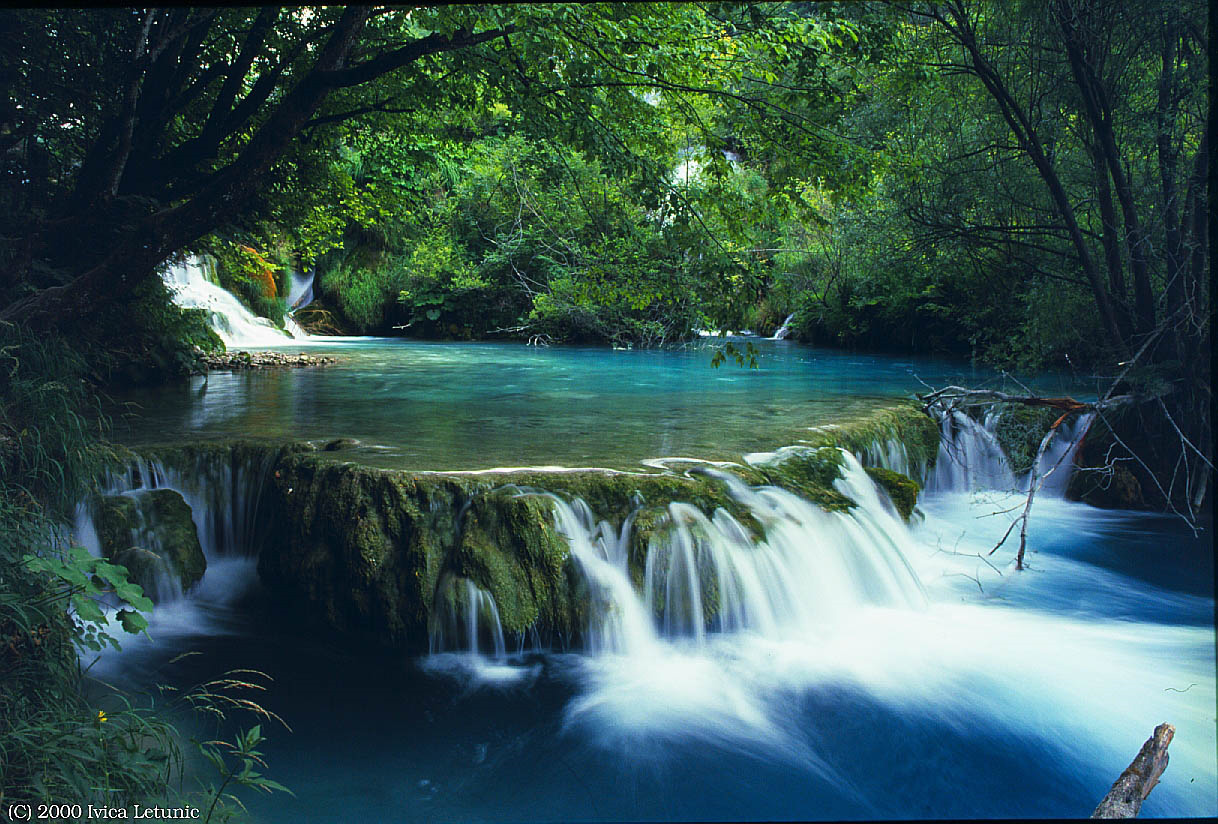 Plitvice-Lake-Croatia-Falls-Wallpaper