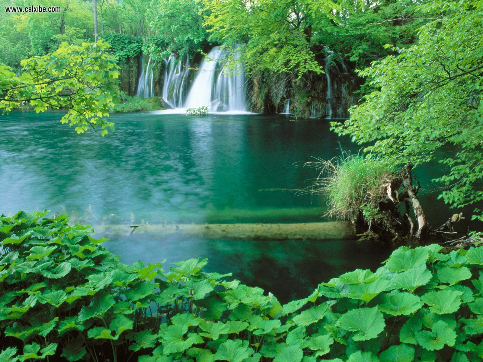 Plitvice_National_Park_Croatia-falls-wallpaper
