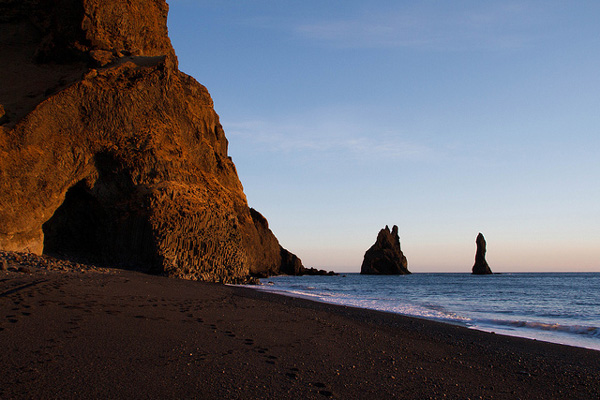 Dark beach in Iceland (7)