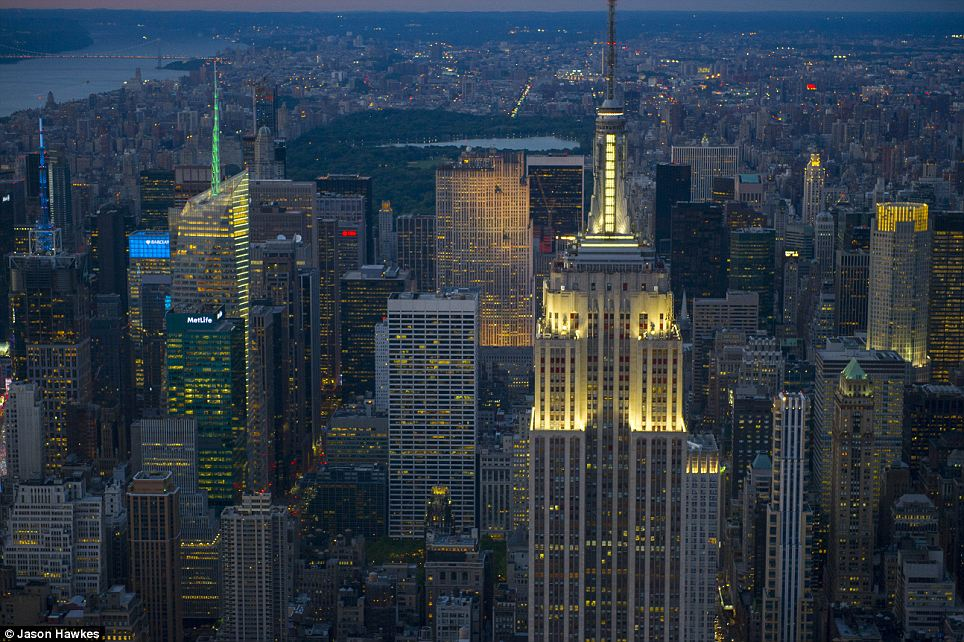 amazing aerial shots of New York taken as he dangled out of a helicopter (1)