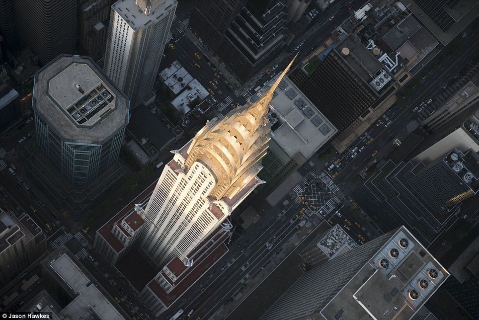 amazing aerial shots of New York taken as he dangled out of a helicopter (11)