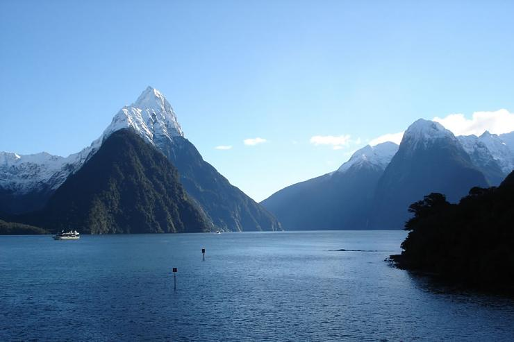 Strait of Milford Sound in New Zealand (12)