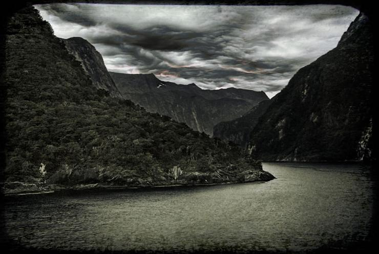 Strait of Milford Sound in New Zealand (3)
