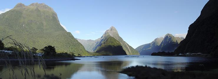 Strait of Milford Sound in New Zealand (4)