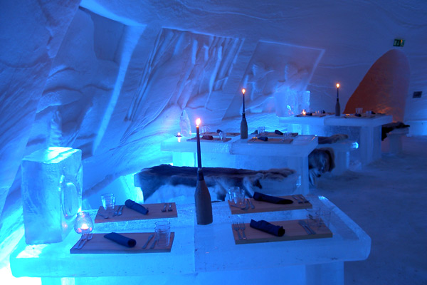 Laino Snow Village Ice